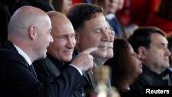 Американские вопросы. Чемпионат во славу Путина