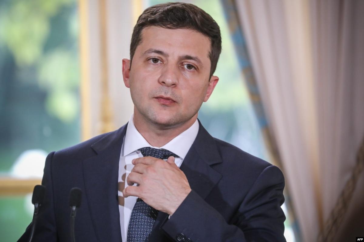 Новости 24 апреля: Российские паспорта для жителей ОРДЛО, Янукович хочет в Украину