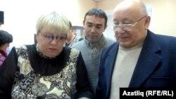 Светлана Корусенко (с) һәм Фәрит Йосыпов, Илһам Гомәров (уртада)