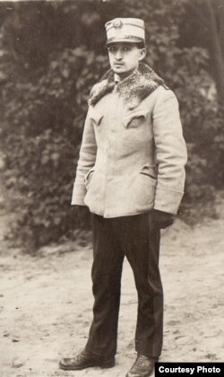 Ofițer român prizonier (Sursa: Expoziția Marele Război, 1914-1918, Muzeul Național de Istorie a României)