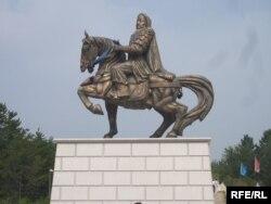 Чыңгыз-хандын Ордостогу айкели. Ички Монголия, КЭР.
