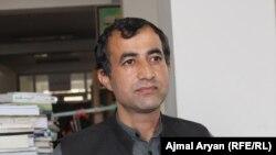 محمد عثمان ابراهیمی مسئول کتابخانۀ عامه ریاست اطلاعات و فرهنگ بدخشان