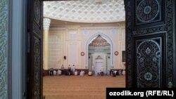 """Toshkentdagi """"Ko'kcha"""" jome masjidi."""