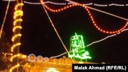 أضوية الزينة تغطي جامع الإمام الأعظم