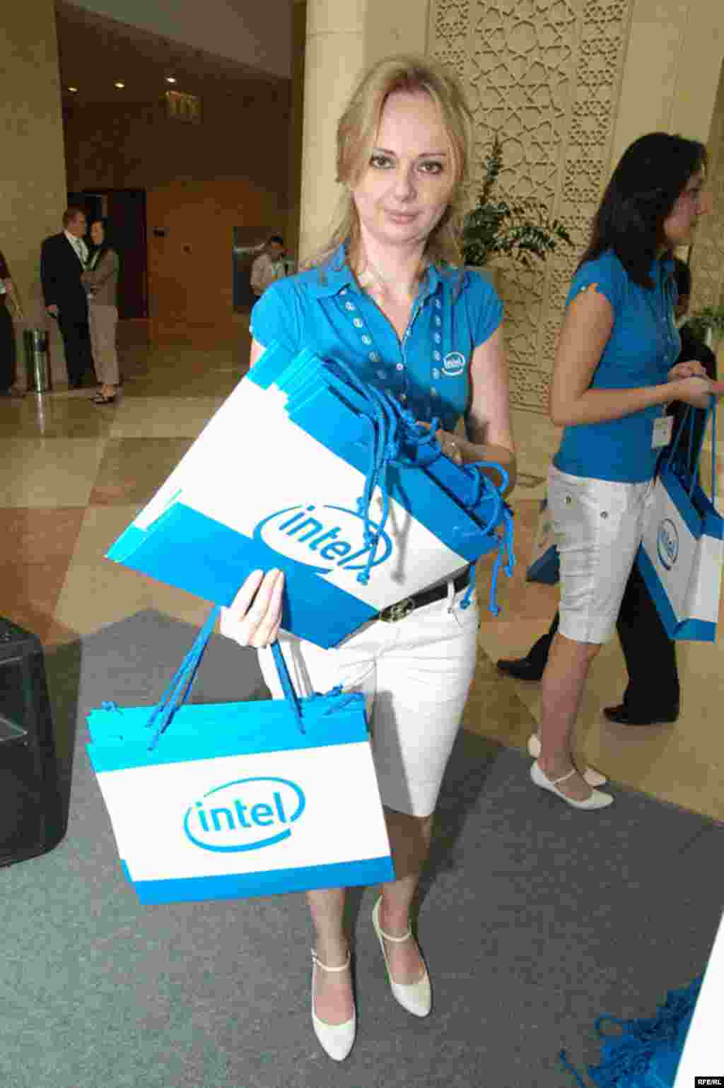 Intel نامی آشنا برای ایرانیان و البته تمامی کسانی که با کامپیوتر سر وکار دارند