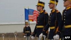 رژه مراسم رسمی آغاز قرارگیری سامانه دفاع موشکی آمریکا در دوسلو