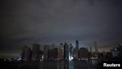 Так выглядаў Нью-Ёрк без электрычнасьці, 30 кастрычніка 2012 году