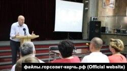 Генеральний директор «Кримських морських портів» Сергій Квасов на зустрічі з портовиками в Керчі, 26 червня 2019 року