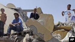 Разрушенный бомбежкой НАТО дом в городе Злитен