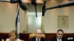 تصمیم دولت اولمرت برای مبادله اجستد دو سرباز اسرائیلی با زندانیان عرب مورد مخالفت سازمان های اطلاعاتی این کشور قرار گرفته است.(عکس: AFP)