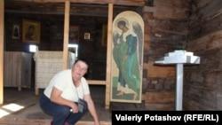 Валентина Сукотова в церкви Александра Свирского, Космозеро