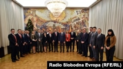 Претседателот Стево Пендаровски со членовите на новата техничка влада