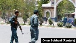 Poliţişti pe străzi la Kabul după atentat