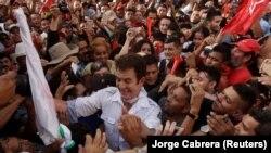Protest u Hondurasu, opozicioni lider Salvador Nasrala sa pristalicama