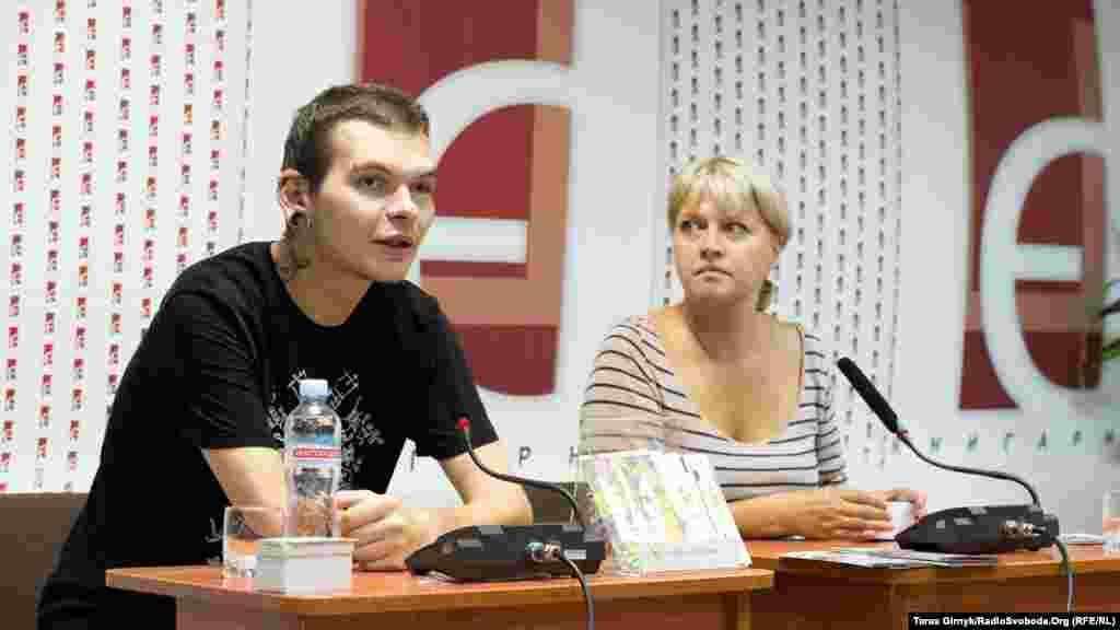 Засновники проекту «Добра Листівка» Ілля Стронґовський та Лілія Омельяненко.