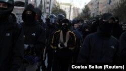 Maskirana omladina obilježava 11 godina od ubistva tinejdžera na ulicama Atine