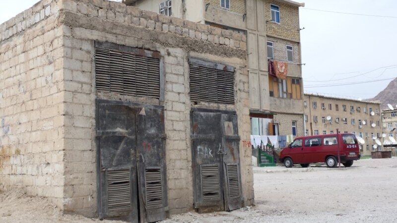 Türkmenabatlylar elektrik togunyň 'dowamly' kesilmeginden 'dat' edýär