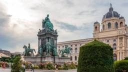 Вена, памятник императрице Марии-Терезии (иллюстративное фото)