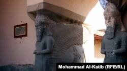 Իրաք -- Հնագույն ասորական Նիմրուդ քաղաքը, սֆինքսներ մարդկային գլխով, ցլի մարմնով և թևերով, արխիվային լուսանկար, 23-ը մարտի, 2012թ.