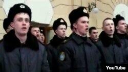 Курсанты военно-морской академии имени Нахимова в Севастополе