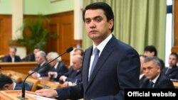 Рустам Эмомали, Душанбе мэрі, Тәжікстан президенті Эмомали Рахмонның үлкен ұлы.