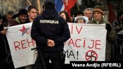 Protesti za i protiv Nedića