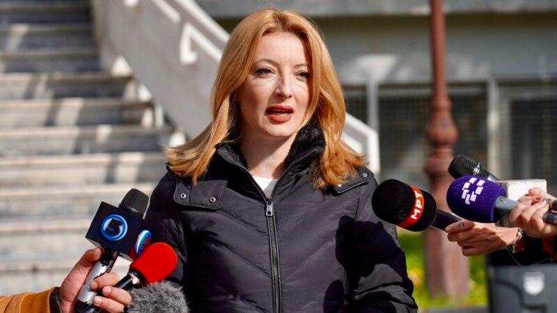 СДСМ тврди дека Данела Арсовска има бугарски пасош, ВМРО-ДПМНЕ демантира