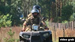 Українські прикордонники патрулюють ділянку кордону поблизу Білорусі