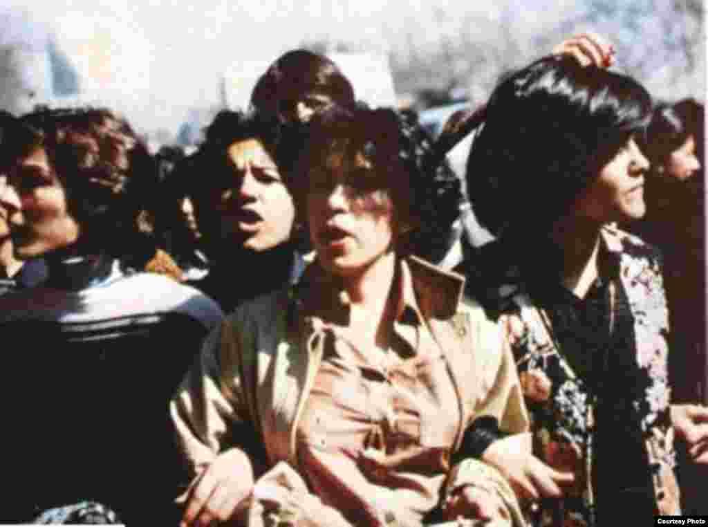 زنان در انقلاب ایران
