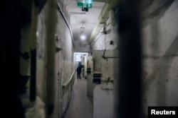 Тюремные камеры в здании бывшего КГБ в Риге. 29 апреля 2014 года.