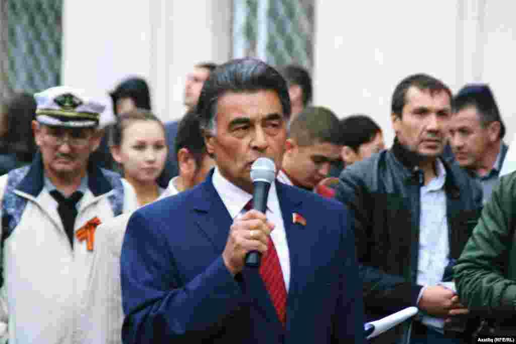 Юнир Котлыгуҗин, Башкортстан коммиунистлары башы