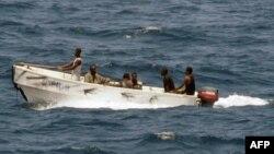 در کنار معضل دزدان دریایی، ماهیگیری غیرقانونی نیز دیگر مسئلهای است که سومالی با آن مواجه است.