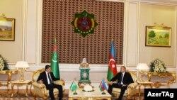 İlham Əliyev və Gurbanguly Berdimuhamedov, Türkmənistan, 22 noyabr 2018