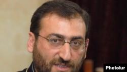Глава пресс-канцелярии Первопрестольного Святого Эчмиадзина епископ Аршак Хачатрян