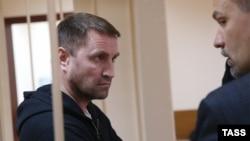 Юрий Чабуев, раҳбари боздоштшудаи қабристони Хованскоеи Маскав