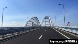Вид на строящийся Керченский мост, 16 мая 2018 года