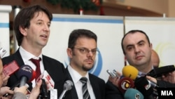 ицепремиерите Зоран Ставрески и Владимир Пешевски и претседателот на Сојузот на стопански комори Златко Калеников