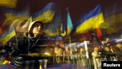 На площади Независимости в Киеве, 12 декабря 2013 года