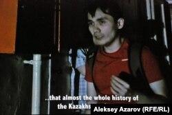 """Кадр из фильма «История Казахского кино: Подполье """"Казахфильма""""», в котором появляется режиссер Адильхан Ержанов."""