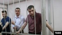 Ілля Гущин, Олександр Марголін та Олексій Гаскаров (зліва на право) в Замоскворецькому суді Москви