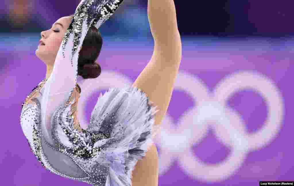 Фігурне катання: Аліна Загітова, олімпійська спортсменка з Росії, встановила новий світовий рекорд на змаганнях у жіночому одиночному катанні на Олімпіаді в Пхьончхані
