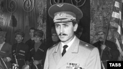 Chechnya -- Djokhar Dudayev during his inauguration as Chechen President in Grozny, Nov1991