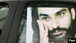 ناصر عبداللهی، روز چهارشنبه هفته گذشته در بيمارستانی در تهران درگذشت و علت مرگ وی «از کار افتادن کليه هايش» اعلام شد.