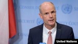 Holandski ministar vanjskih poslova Stef Blok je optimističan u vezi novog prijedloga sankcija EU protiv kršitelja ljudskih prava