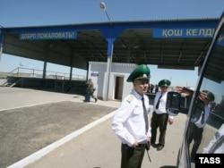 На границе Казахстана и России в Астраханской области, 24 мая 2009 года.
