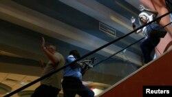 Этот снимок сделан во время начала операции по освобождению заложников в Найроби, 21 сентября 2013 г.