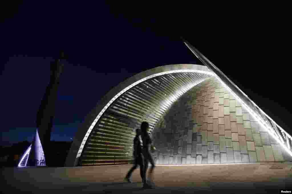 10 миллион еврога төшкән мәчет чыгымнарының зур өлешен Катар әмире түләгән