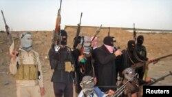 Սունի մահմեդականների «Իսլամական պետություն» կազմավորման դիմակավորված զինյալները, արխիվ, Ֆալուջա, 23 փետրվարի, 2014թ.