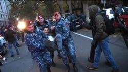Նախարար Հարությունյանի հրաժարականը պահանջող դաշնակցականները փողոց փակեցին. կան բերման ենթարկվածներ
