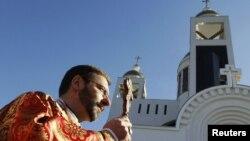 Нинішній голова УГКЦ Святослав Шевчук біля Патріаршого собору Воскресіння Христового у Києві